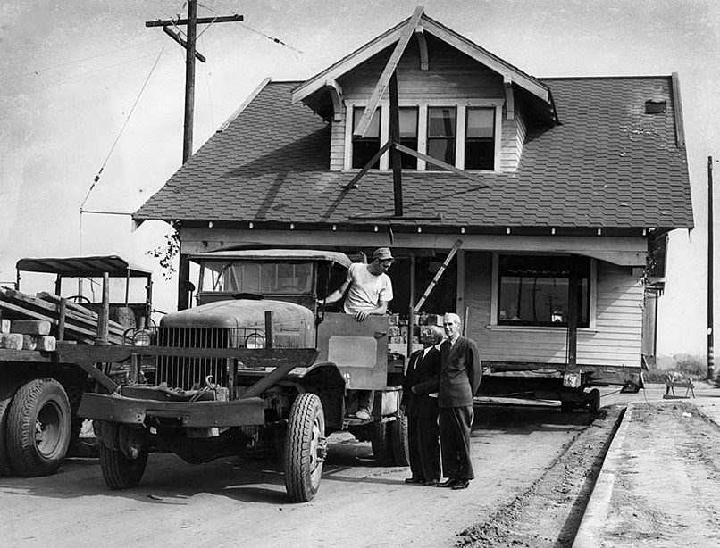 houses_moving_in_los_angeles_in_the_past_12_.jpg
