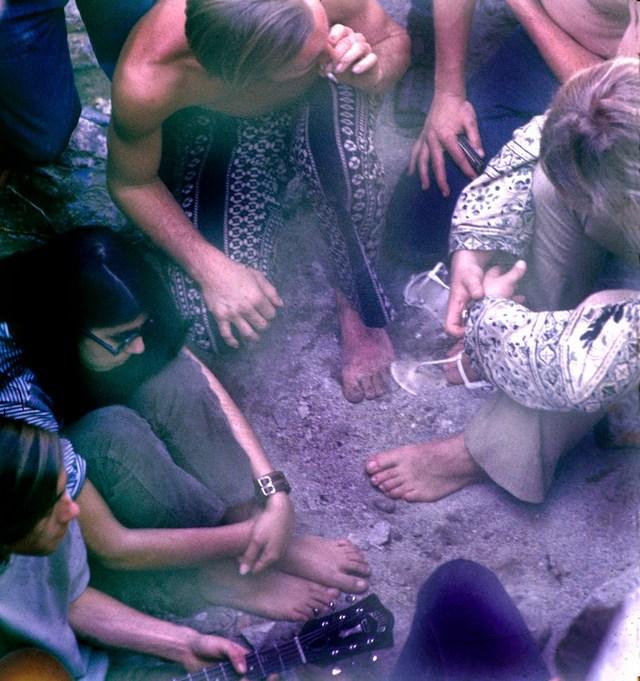 america_s_1970s_hippie_communes_8_.jpg