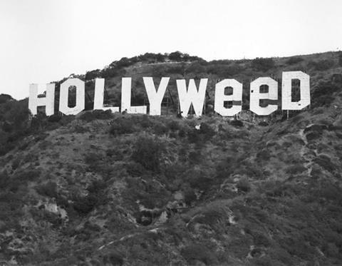 1971. Hippik által meghekkelt felirat. Weed=marijuana..jpg
