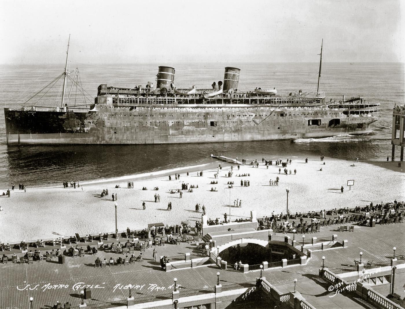 1934_-_morro_castle.jpg