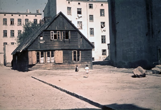 The Lodz Ghetto in 1943 (15).jpg