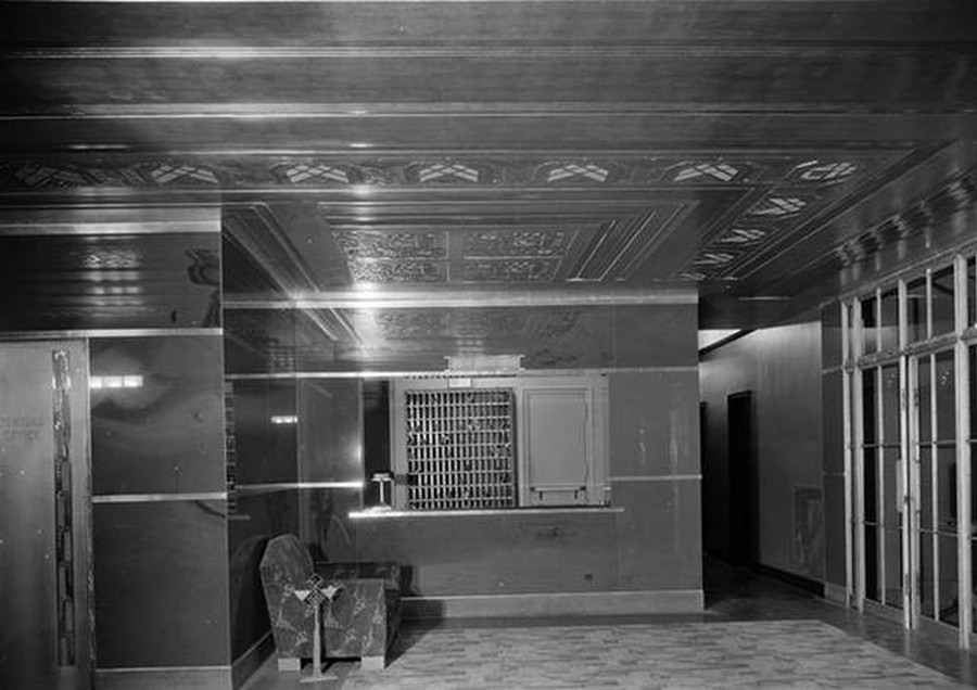 1930. Beaux Arts Apartments. Lobby detail of 307 East 44th Street. April 9, 1930.jpg