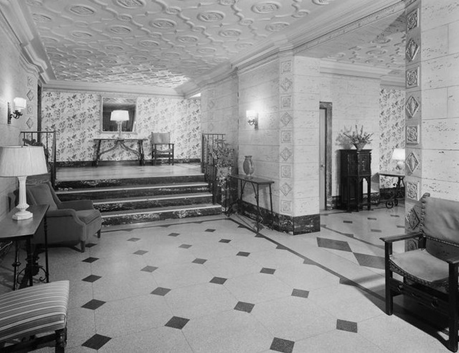 1941. 670 West End Avenue. Apartments, lobby. 8-2-1941.jpg