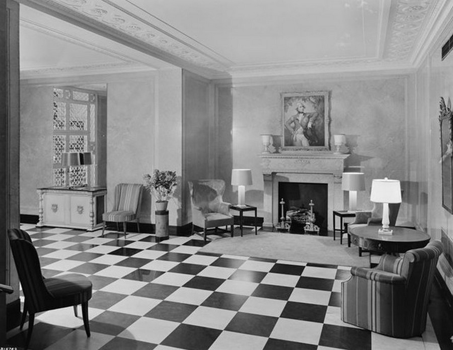 1942. 400 Park Avenue. Apartment building lobby. 5-27-1942.jpg