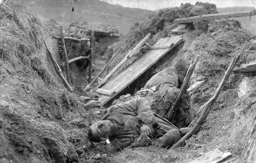 1916_magyar_halottak_isonzó.jpg