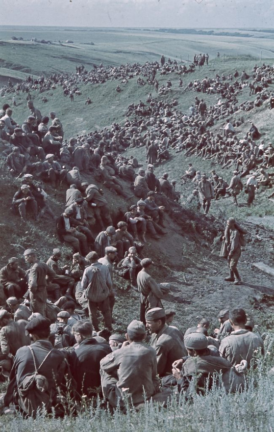 1942_Orosz hadifoglyok, akiket a magyar hadsereg ejtett fogságba.jpg