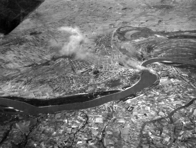 1944_újvidék bombázása.jpg