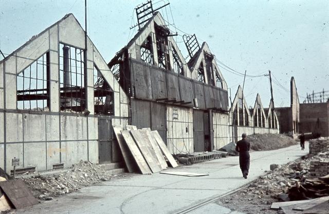 1944_Győri_Rába gyár az 1944 július 2-i bombázás után..jpg