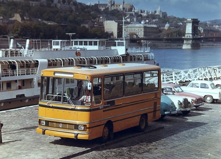 1969_ikarus663.jpg