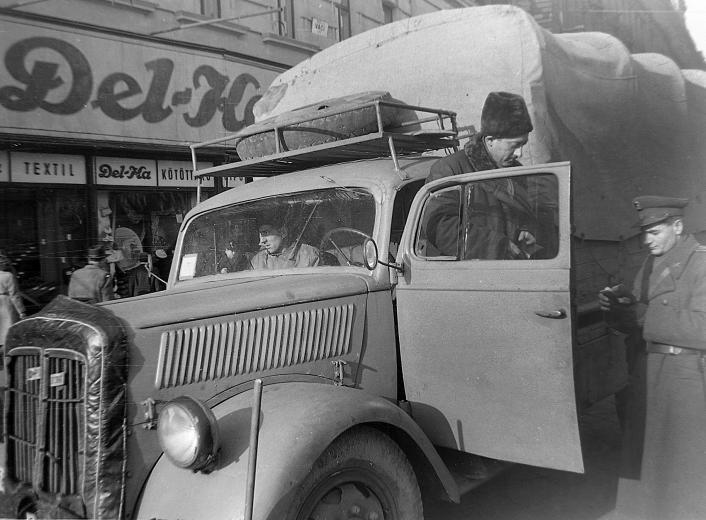 1950_igazoltató rendor_zsakmanyolt blitz.jpg