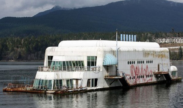A McDonald's and a Barge Merge (8).jpg