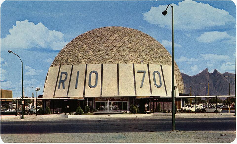 Vintage Movie Theatres and Cinemas (17) Cinema Río 70, Monterrey, Mexico.jpg