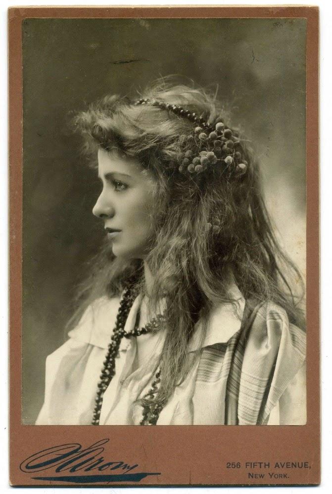 1890. Maude Adams.jpg