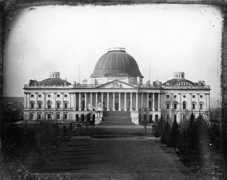 1855 körül. A Kapitólium az eredeti kupolájával, még az 1860-as átépítés előtt..jpg