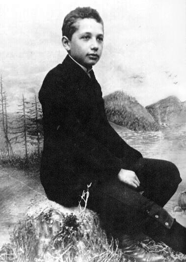 1914. Einstein 14 évesen..jpg