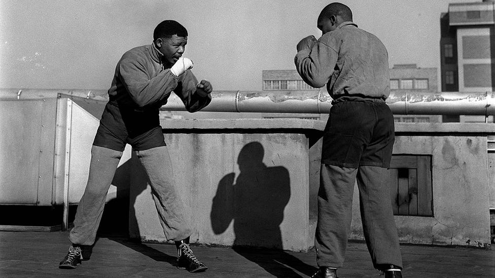 1953. Mandela bokszol..jpg