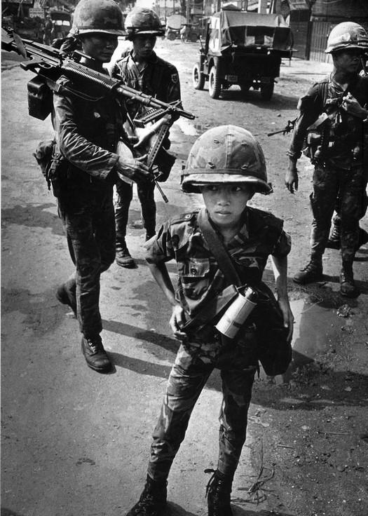 1968_10_eves_del-vietnami_gyerekkatona.jpg