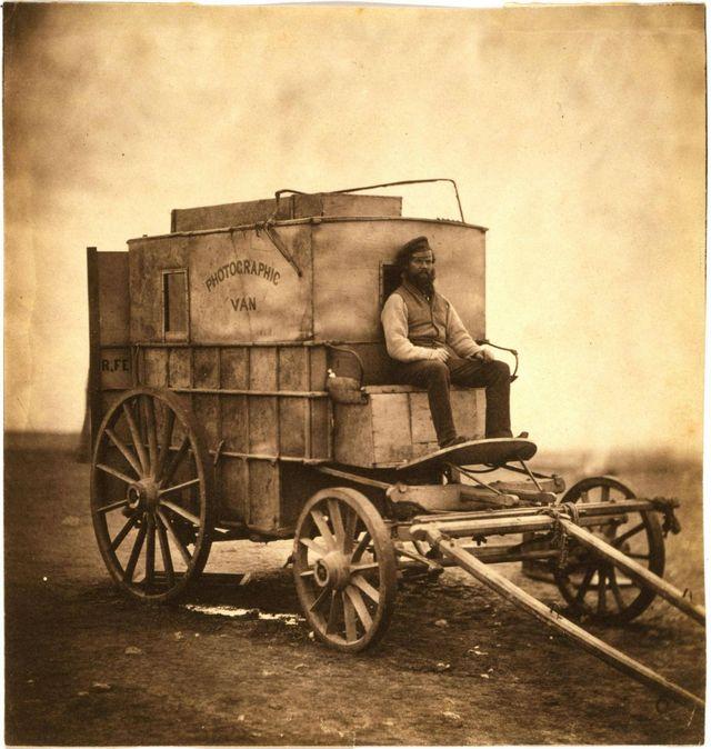 1855_roger_fenton_fotoskocsija_az_eszak-amerikai_kontinensen.jpg