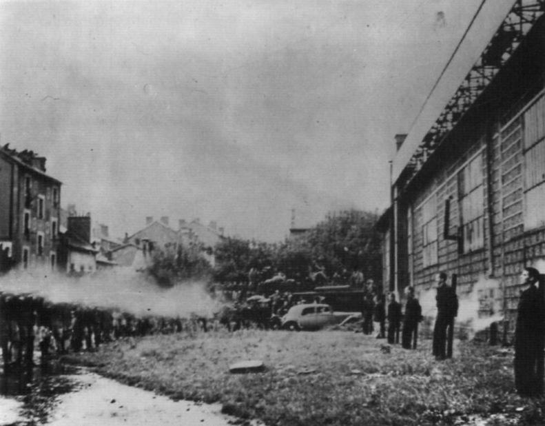 1944. Francia ellenállók náci kollaboránsokat végeznek ki..jpg
