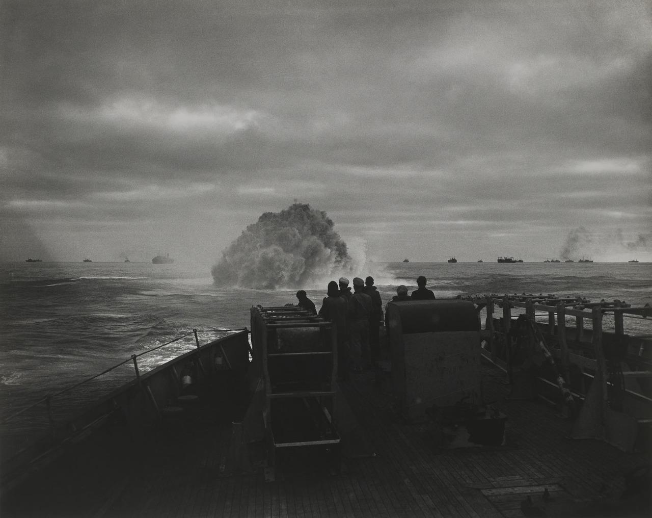 1943. USCG Spencer hadihajó német tengeralattjárót sűllyeszt el..jpg