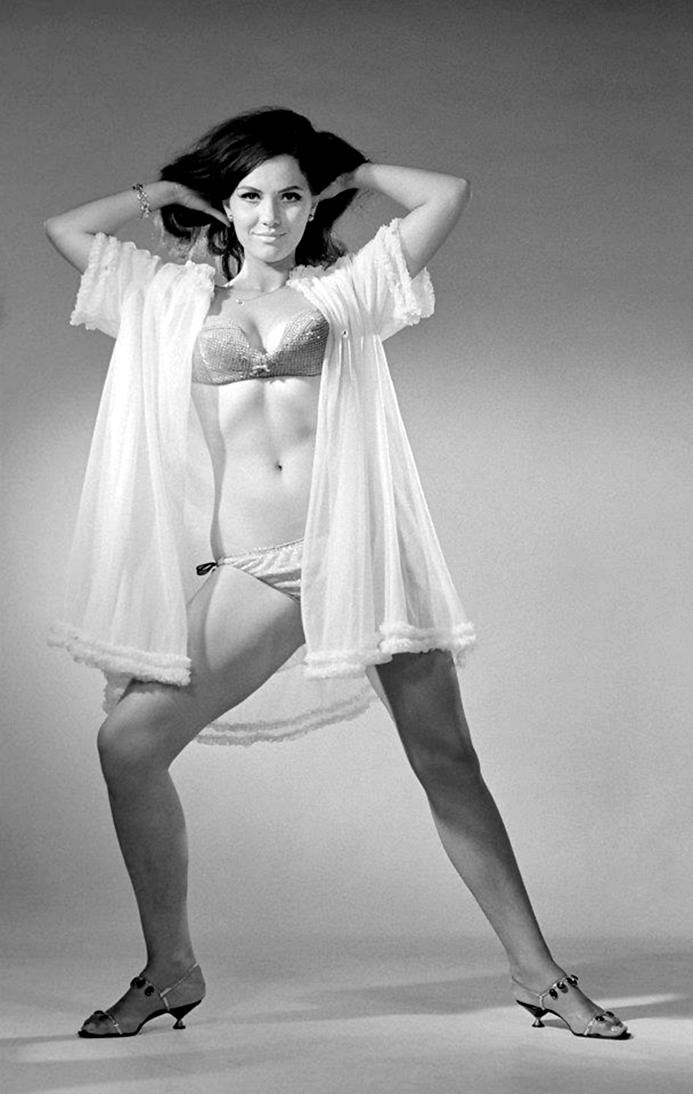 1968. Pécsi Ildikó színésznő fiatalon.jpg