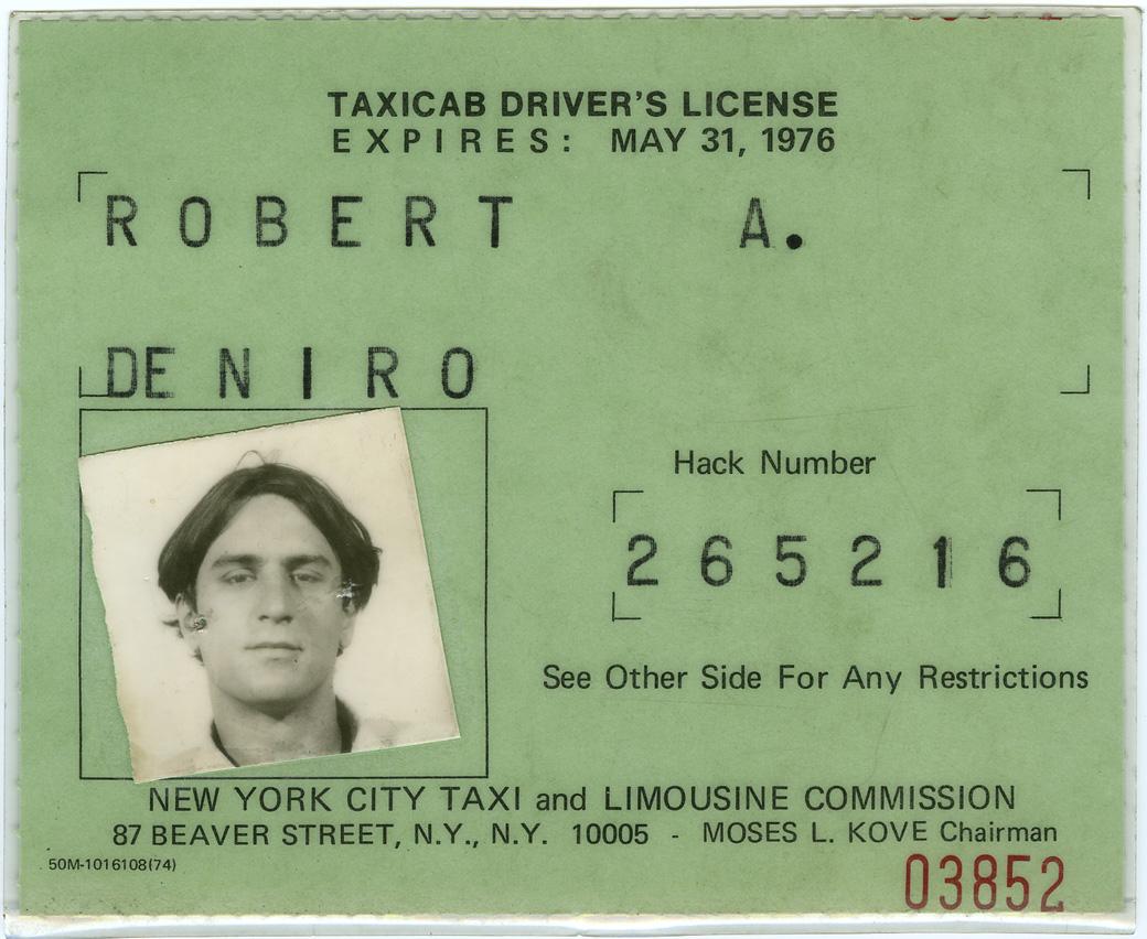 1975. Robert DeNiro taxiengedélye. A híres film készülte előtt kiváltotta, így legálisan használhattak NYC taxit a forgatás alatt..jpg