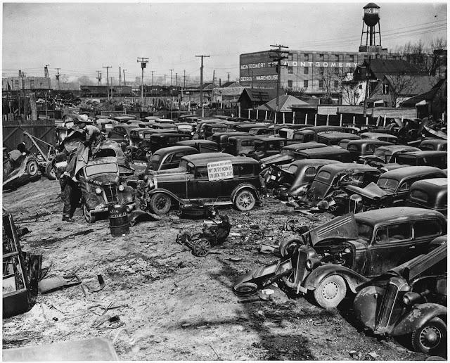 1942. Detroiti Autó temető..jpg