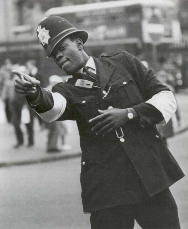 1968. Norwell Gumbs az első színesbőrű rendőr az Egyesült Királyságban..jpg