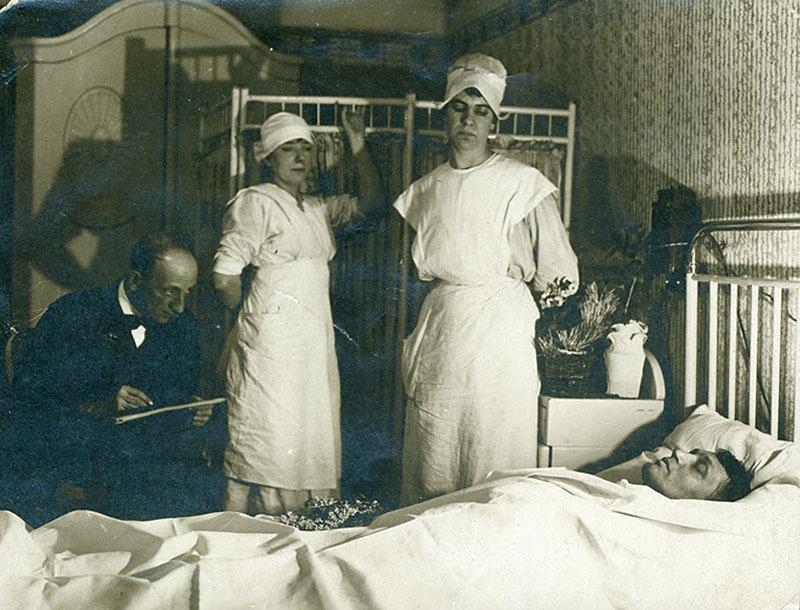 1919. Ady Endre a halálos ágyán..jpg