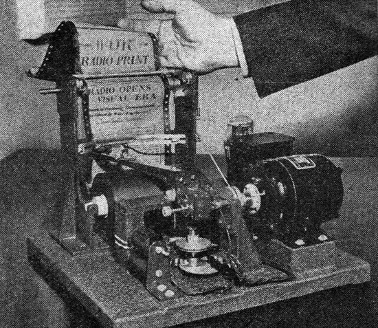 1938. Rádiótársaság által távolbol küldött és otthon kinyomtatott újság, a fax őse. Csak kísérleti stádiumban létezett..jpg