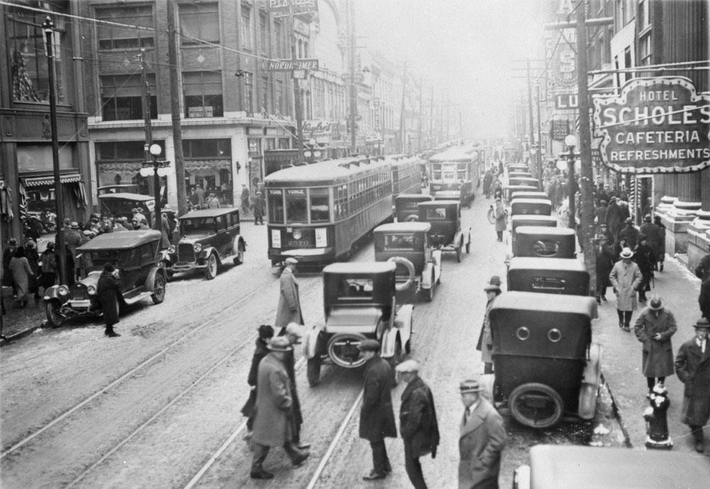 1935. Torontoi belvárosi utcakép.jpg