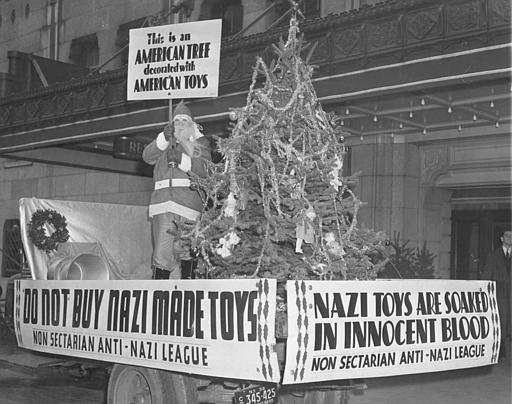1938. A Mikulás a német (náci) játékok elleni bojkottra szólítja fel a vásárlókat ..jpg