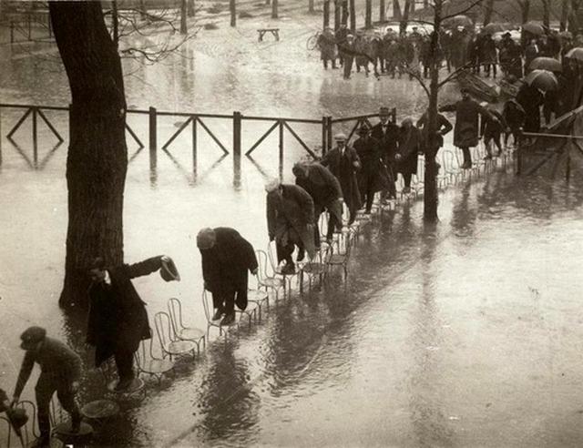 1924. Párizsi árvíz.jpg