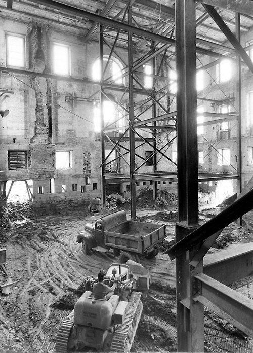 1948-1952. A Fehér Ház teljes belső átalakítása..jpg