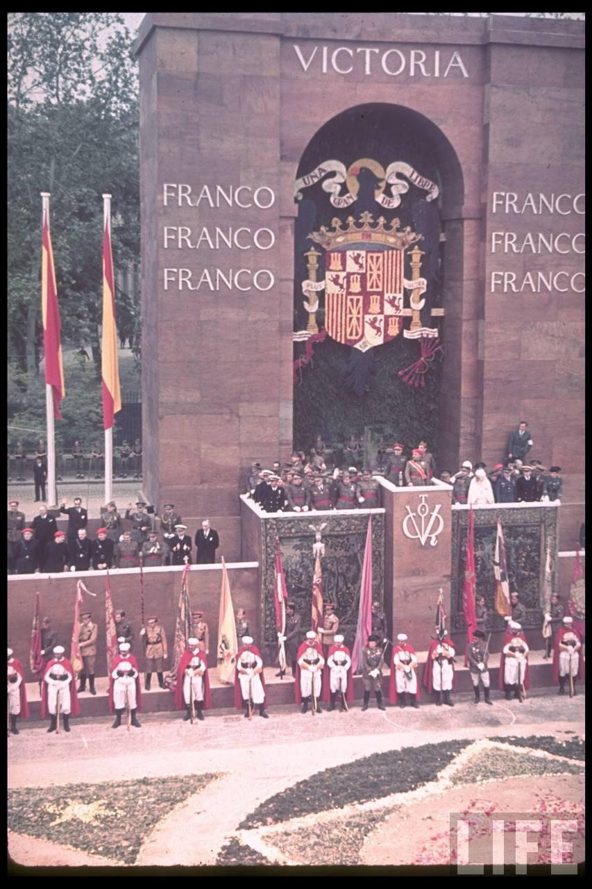 1939. Franco győzelmi ünnepsége..jpg