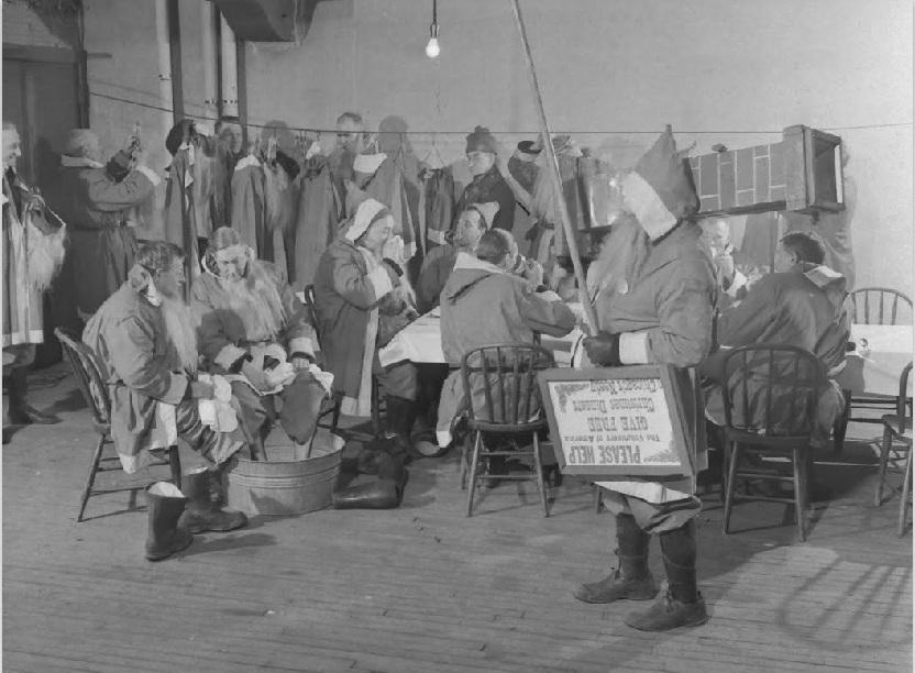 1940. Utcai télapók a melegedőben. Chicago..jpg