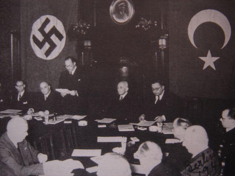 1941. Német-török barátsági szerződés aláírása Ankara..jpg