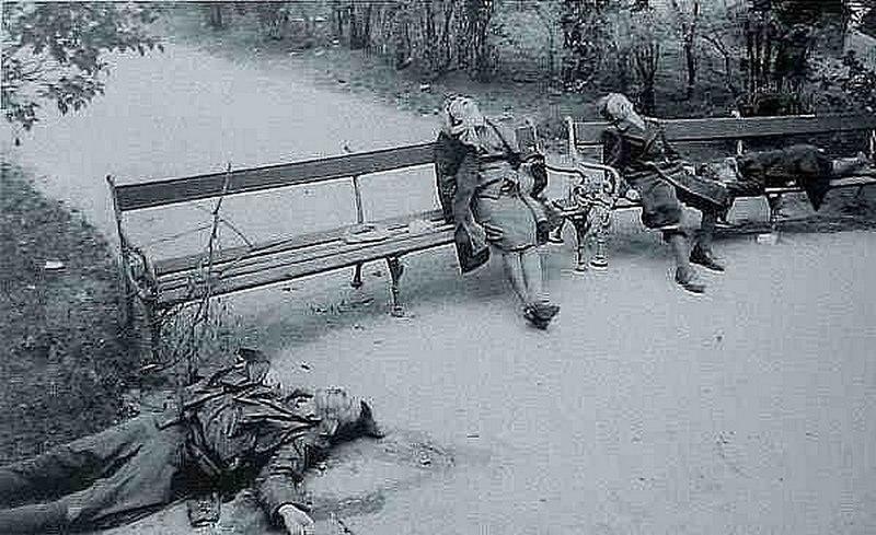 1945. Öngyilkos náci család Ausztriában a szovjet csapatok érkezése napján..jpg
