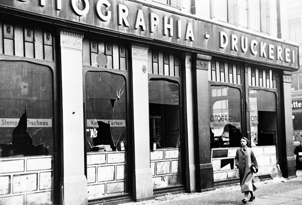 1938. A kristályéjszaka másnapján Berlinben..jpg