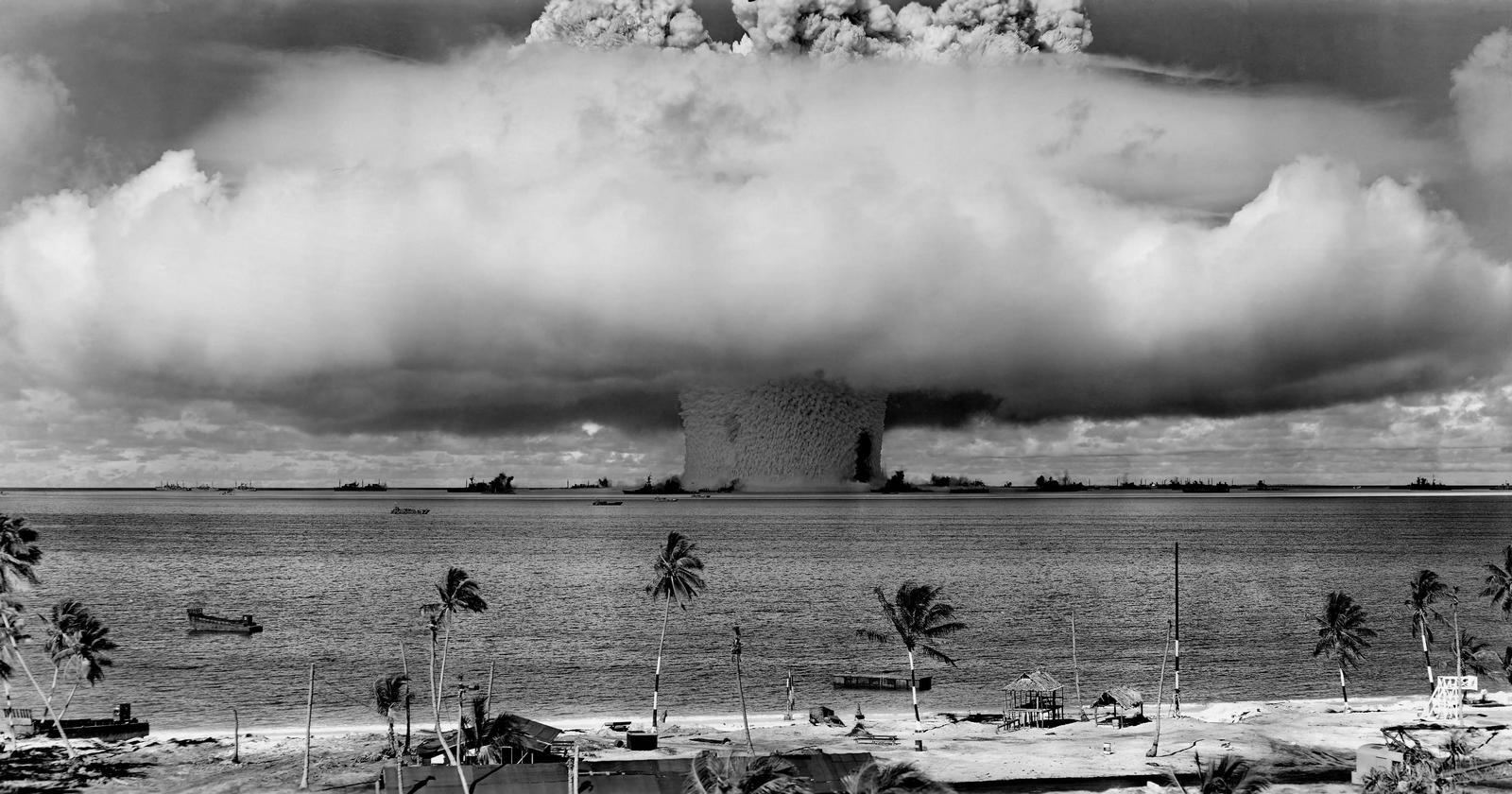 1946. Bikini atoll, kísérleti nukleáris robbantás..jpg