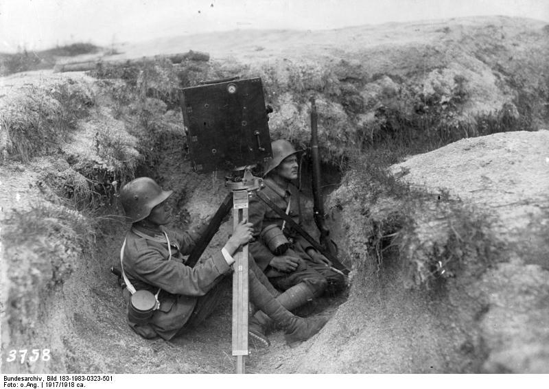 1917. Német híradósok a nyugati fronton filmeznek..jpg