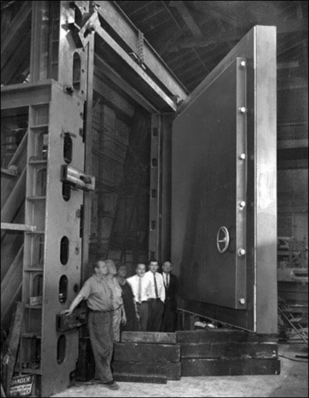 1959. Az USA szenátus tagjainak építik az atombiztos óvóhelyet..jpg