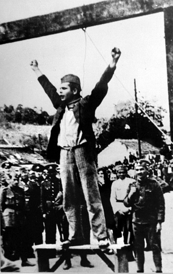 1942. Sztyepan Filipovics jugoszláv partizán akasztása..jpg