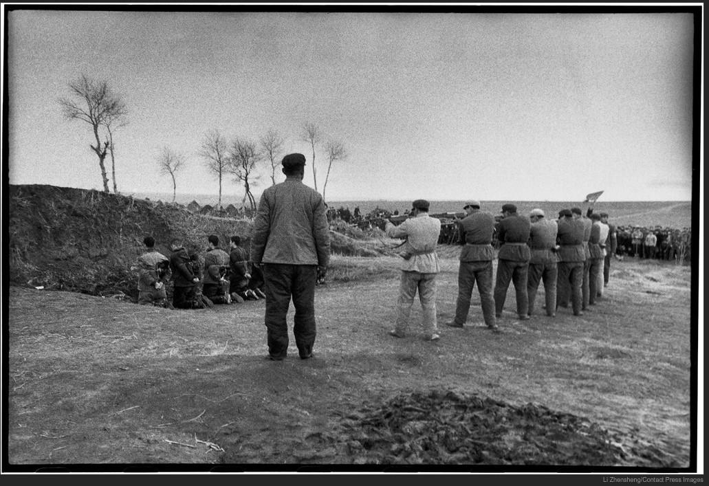 1968. A Kultúrális Forradalom ellenzőinek kivégzése Kínában..jpg