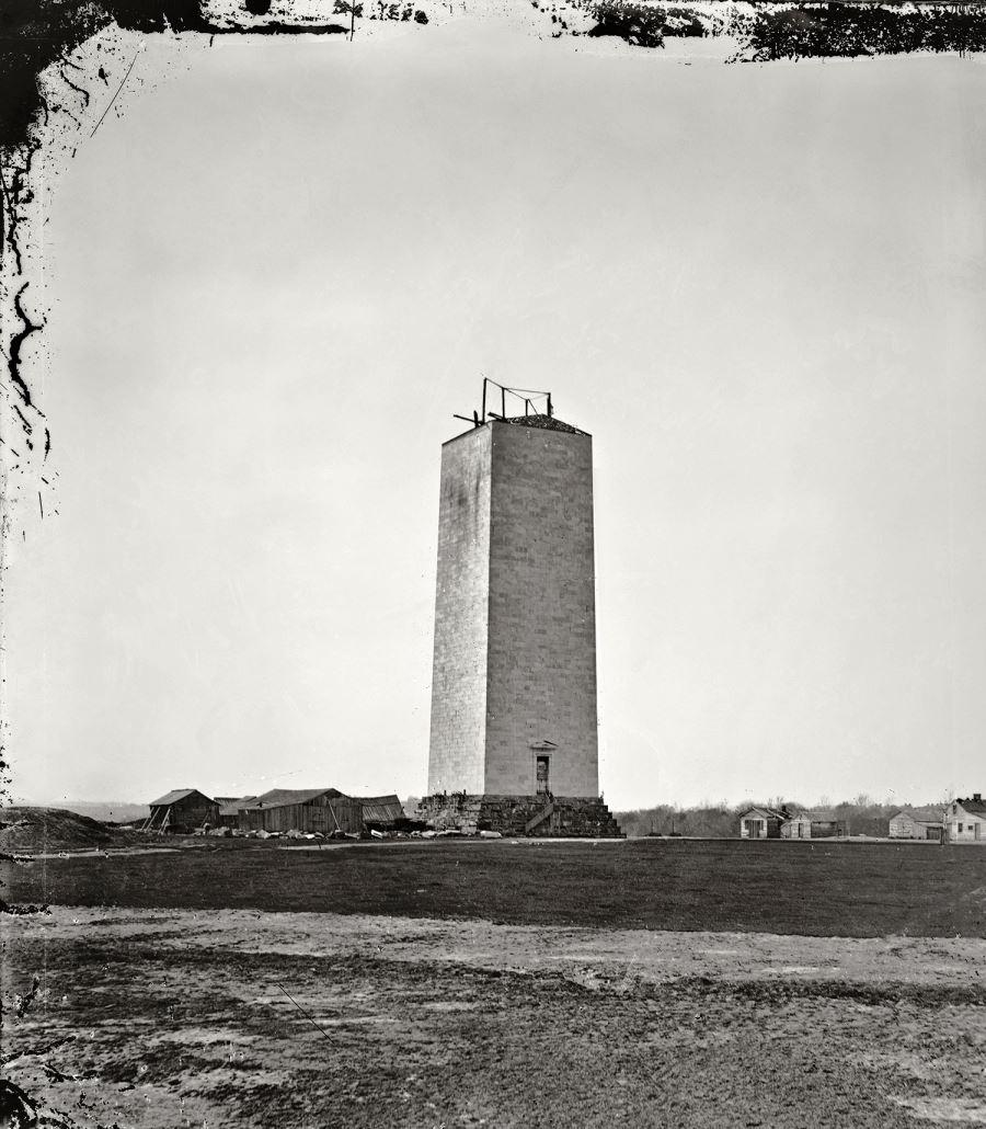 1857-1875. A Washington Monument építése csaknem két évtizedig szünetelt pénzhiány miatt..jpg