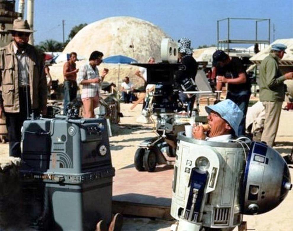 1977. Ebédszünet a Csillagok háborúja forgatásán..jpg
