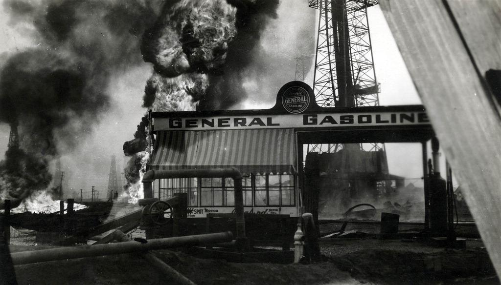 1929. Santa Fe (Kalifornia) Warman kutak olajtüze..jpg