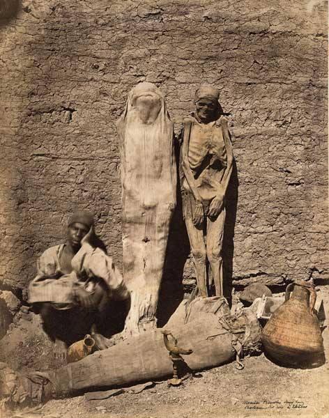 1878. Egyiptom. Múmiát tessék!.jpg