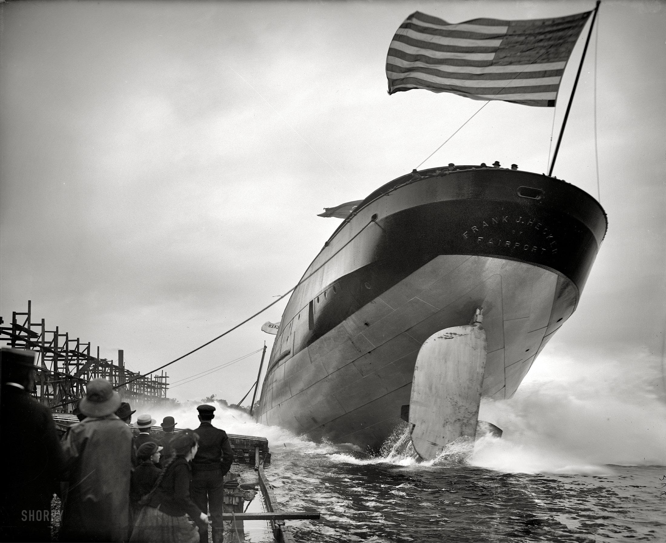 1905. A Frank J. Hecker gőzös vízrebocsátása a nagy tavanál, St. Clair, Michigan..jpg