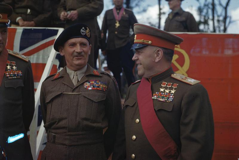 1945. Montgomery és Zsukov Berlinben..jpg